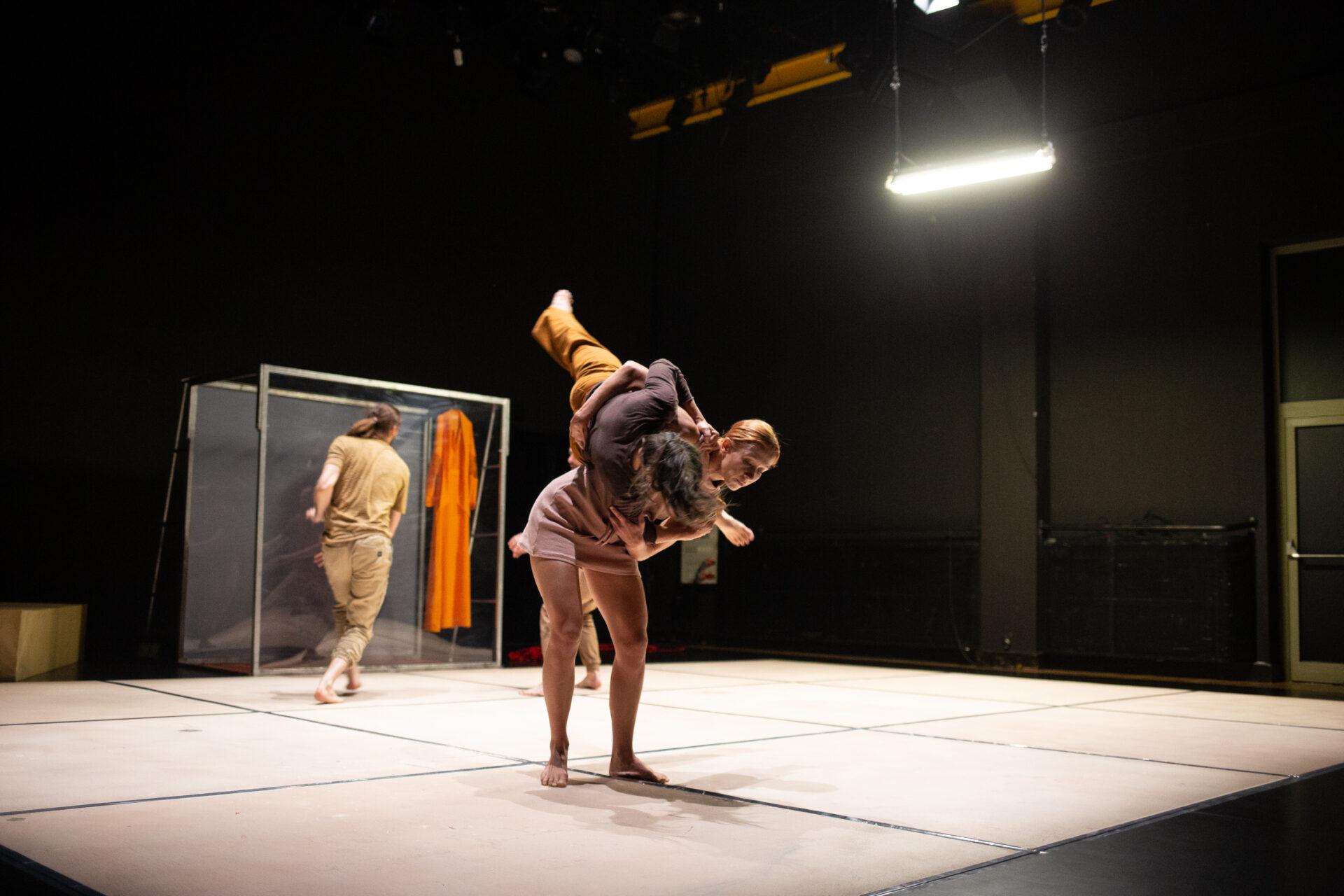 """Teatr O.de.la """"Kraksa"""". Fot. Maciej Moskwa"""