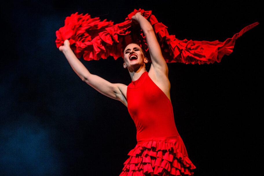 """Zdjęcie: Kraków/Polska Sieć Tańca 2020/21: Kielecki Teatr Tańca """"Intercepted/Przechwycone"""" – chor. Wojciech Mochniej, """"Carme(n)love"""" – chor. Małgorzata Ziółkowska"""