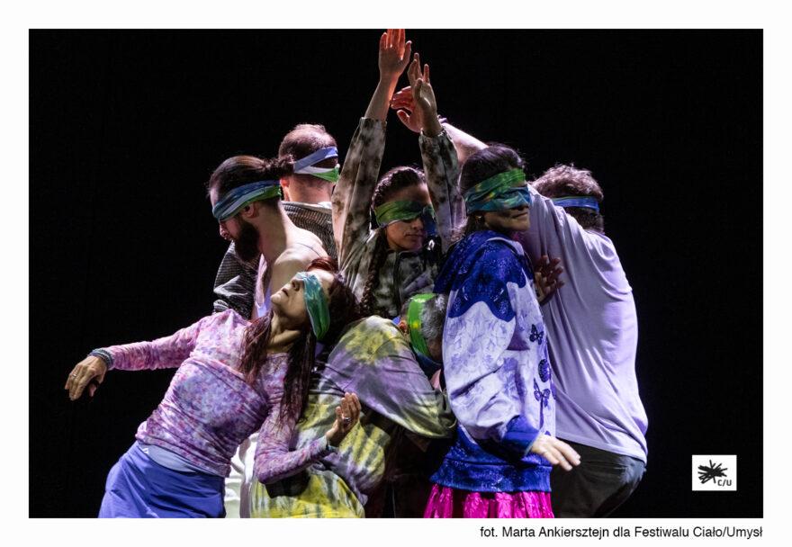 Zdjęcie: Od drzwi życia do stołu śmierci – o spektaklach dojrzałych tancerzy podczas Festiwalu Ciało/Umysł 2021
