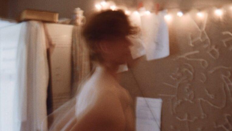 """HER Docs Film Festival – sekcja """"Ciało w ruchu"""": Kadr z filmu """"Luca (m/f/x)"""""""