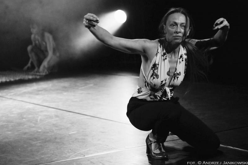 Zdjęcie: 40. Scena Tańca Studio: Do niedzieli dostępny spektakl Black is the Colour Living Space Theatre
