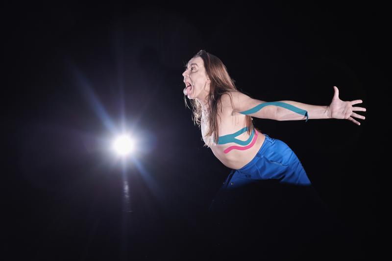 Zdjęcie: Teatr Łaźnia Nowa: Agon Dominiki Knapik ponownie on-line