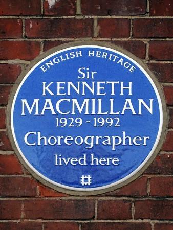 Zdjęcie: MacMillan realista