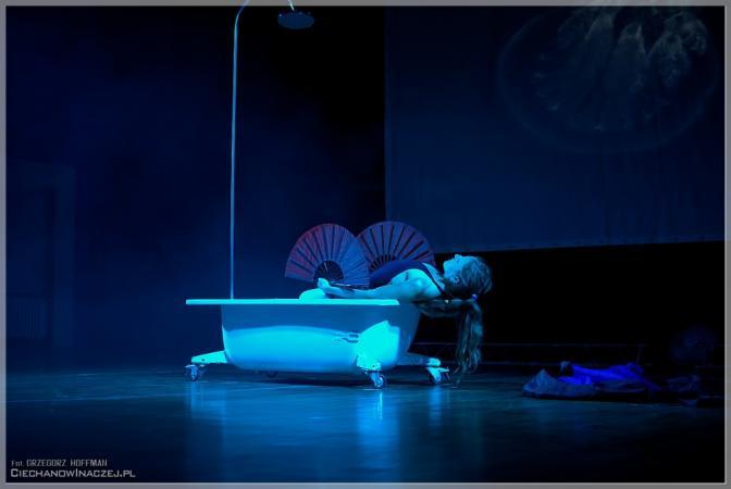 """Zdjęcie: Warszawa/Dotknij teatru: Scena E12/Teatr  """"woman_per_forma """" – wieczór w reż. Katarzyny Stefanowicz"""