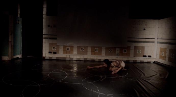 """Zdjęcie: Kraków/BalletOFFFestival 2016: Iwona Olszowska """"Natura ruchu – Święta geometria"""" i Barbara Bujakowska """"ID-ANCE"""""""