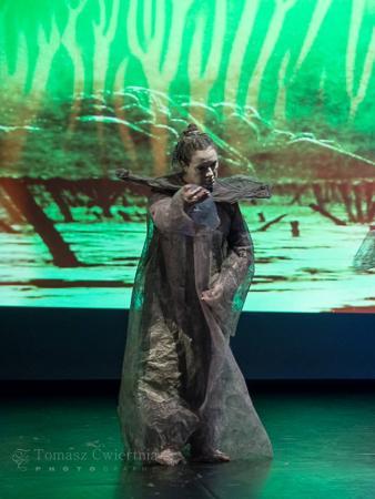 """Zdjęcie: Warszawa: Teatr Limen/Sylwia Hanff, Robert Jędrzejewski """"Beksiński_Butoh_Bez tytułu"""""""