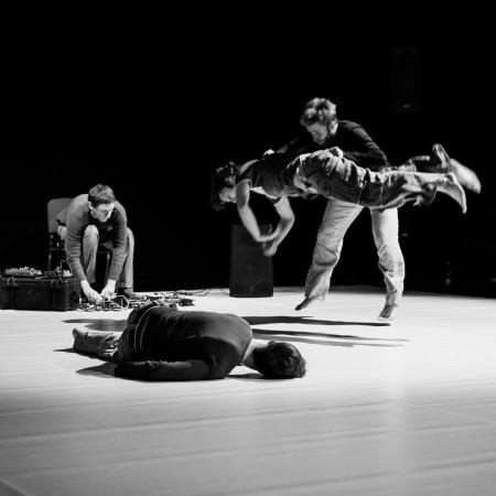 """Zdjęcie: Łódź/Dotknij Teatru 2016: Pracownia Fizyczna """"Zdarzenia"""" i """"Ćmy"""""""