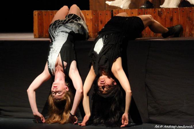 """Zdjęcie: Poznań/Scena dla tańca 2016/Kantor_Tropy 2016 – Scena dla Tańca: Amareya Theatre & Guests """"Kantor_Tropy: COLLAGE"""""""