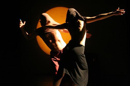 Zdjęcie: Warszawa: Kontango (kontakt improwizacja i tango). Prowadzenie: Javier Cura