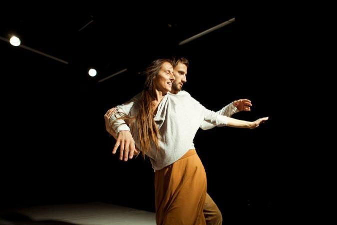 """Zdjęcie: Kraków/Obszar tańca w Teatrze BARAKAH: Iwona Olszowska i Paweł Konior """"Adam i Elf"""""""