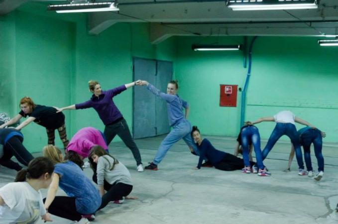 Zdjęcie: Warszawa/Centrum w Ruchu: Warsztaty ruchowo-taneczne z elementami improwizacji. Prowadzenie: Magda Ptasznik