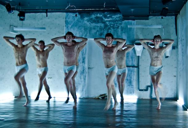 """Zdjęcie: Łódź/III Retroperspektywy 2014: Korniag Theatre (Białoruś) """"Latent men"""""""