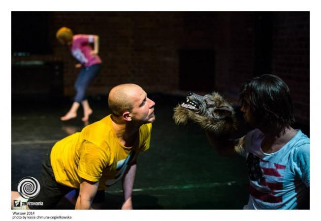 """Zdjęcie: Warszawa/Warszawska Platforma Tańca 2014: Teatr Tańca Zawirowania """"Out in the line up"""" – chor. Nadar Rosano"""