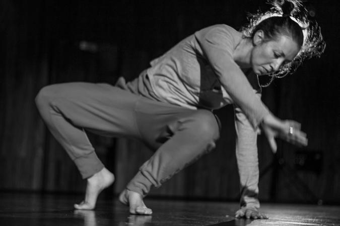 """Zdjęcie: Centrum Sztuki Tańca w Warszawie/""""EKSPRESJE 06"""": Aleksandra Bożek-Muszyńska, Magdalena Przybysz, Iwona Wojnicka – warsztaty"""