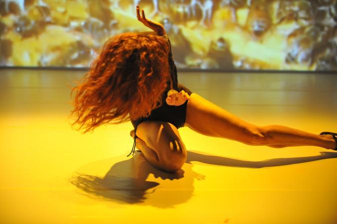 """Zdjęcie: Lublin/XX Konfrontacje Teatralne: Eyal Weiser """"How's the Beast?"""" – Six Verbs Movement"""