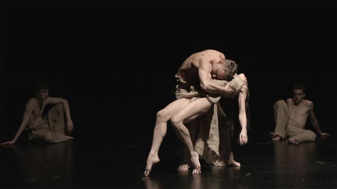 """Zdjęcie: Gorzów Wielkopolski/Scena dla tańca 2019: Polski Teatr Tańca """"Żniwa"""" – reż. Igor Gorzkowski, chor. Iwona Pasińska"""