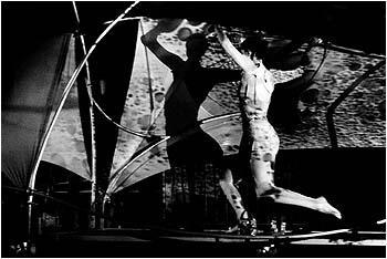 """Zdjęcie: Kraków/XXI Krakowskie Spotkania BaletOFFowe: Teatr Tańca DF """"Everybodyskin"""""""