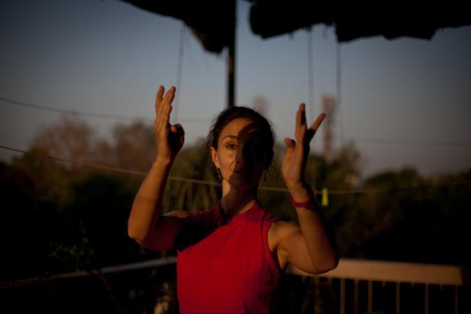 """Zdjęcie: Warszawa/VII Przegląd Zjawisk Teatralnych """"Czarna Offca"""": Magdalena Niernsee """"India katha…zapis pamięci tancerki"""""""