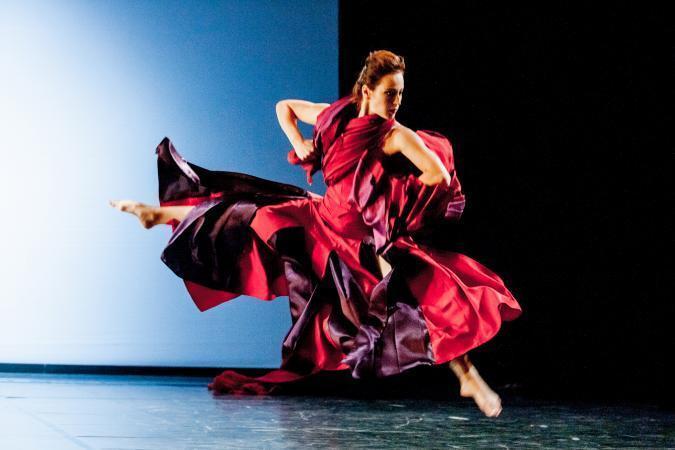 """Zdjęcie: Słupsk: Polski Teatr Tańca """"Tango z Lady M."""" – chor. Ewa Wycichowska oraz fragmenty cyklu """"XL. Polski Teatr Tańca wczoraj i dziś"""""""