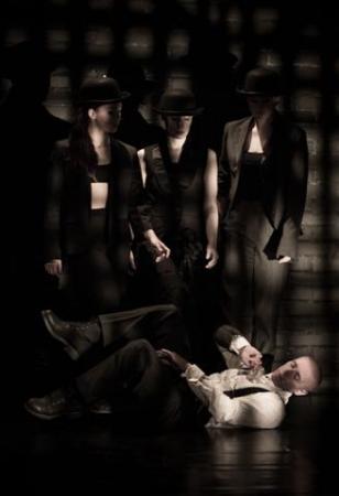 """Zdjęcie: Toruń/Alternatywne Spotkania Teatralne Klamra 2014: Sopocki Teatr Tańca """"Puste ciało. Okazja do malutkiej rozpaczy"""""""