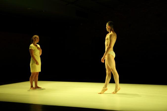 "Zdjęcie: Toruń/Alternatywne Spotkania Teatralne Klamra 2013: Teatr MAAT Projekt ""Station de Corps"""
