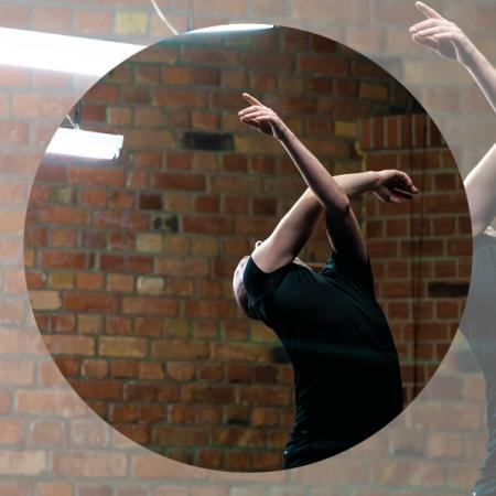 Zdjęcie: Kraków/I Krakowski Festiwal Tańca Zobaczyć taniec: Janusz Orlik, Joanna Leśnierowska Koda (a tribute)