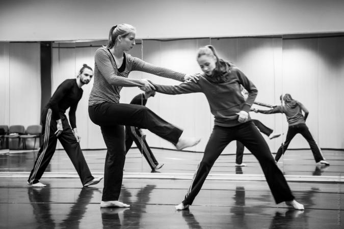 Zdjęcie: Kraków/BalletOFFFestival 2016: Wieczór rezydencji Krakowskiego Centrum Choreograficznego – chor. Agnieszka Janicka, Katarzyna Myrda/Agata Meyer-Lüters/Sylwia Bloch-Sternik, Katarzyna Krzysztofek, Sabina Pyka