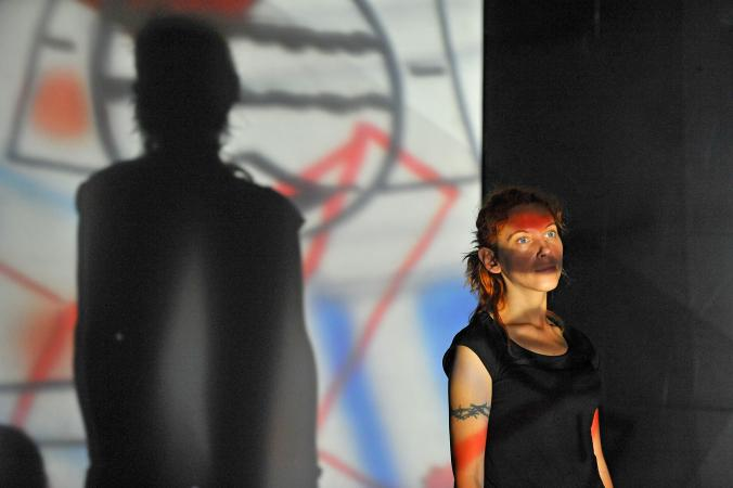 """Zdjęcie: Warszawa: """"Tekst w praktyce choreograficznej"""" (lab) oraz """"Małgorzata – wariacje"""" (warsztat). Prowadzenie: Gosia Gajdemska"""