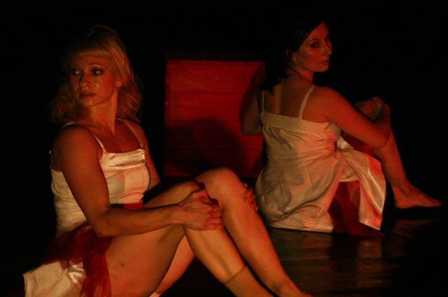 """Zdjęcie: Złotów: Polski Teatr Tańca """"Balladyna"""" i """"Wo-man w pomidorach"""""""