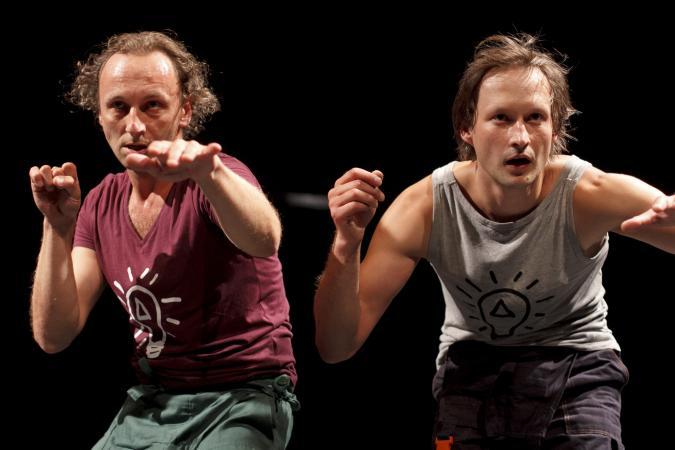 """Zdjęcie: Lublin/Scena dla tańca 2014/Taniec w teatrze: Filip Szatarski, Radek Hewelt """"Clever Project"""""""