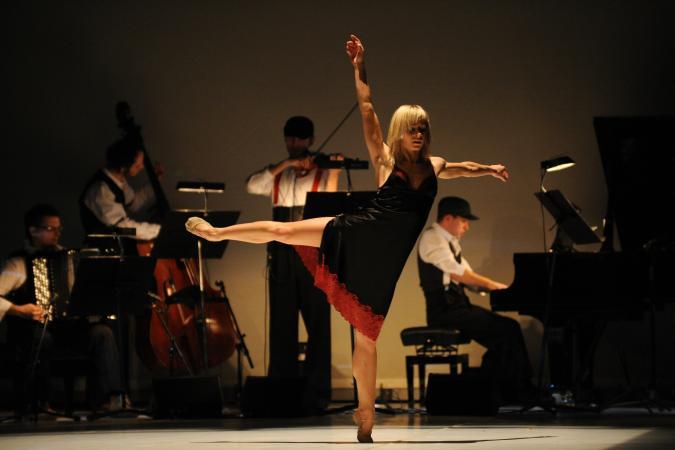 """Zdjęcie: Tarnów/V Festiwal Scena Otwarta: Tancerze Polskiego Baletu Narodowego i Tangueros Balticos  """"Tango life"""" – chor. Roman Komassa"""