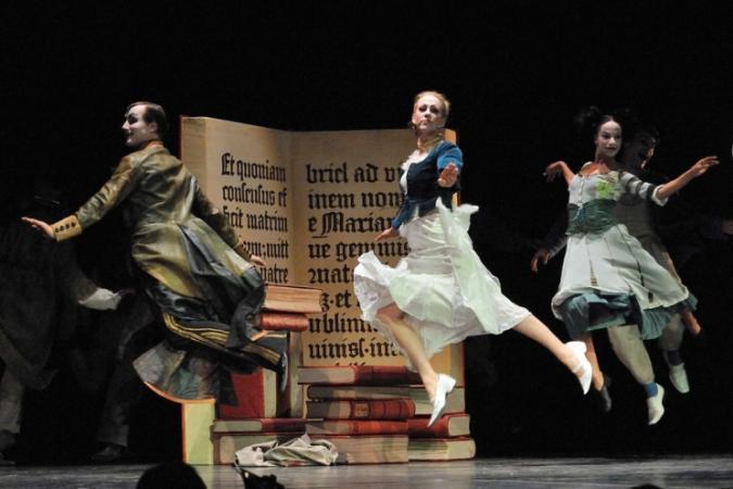 """Zdjęcie: Warszawa/XIV Międzynarodowy Festiwal Sztuki Mimu: Theatre Circus & C.O. """"Faust"""""""