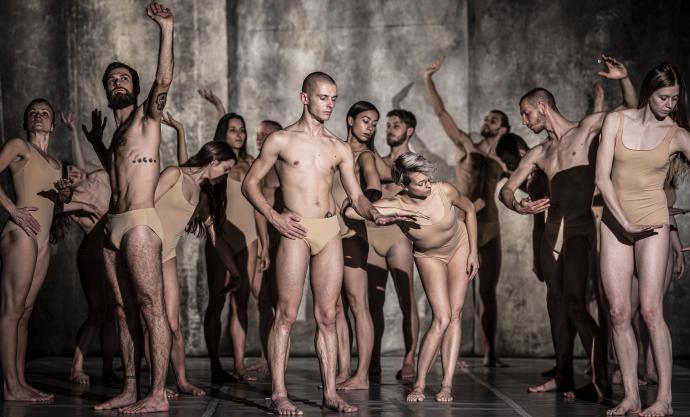 """Zdjęcie: Kraków/Polska Sieć Tańca 2020/21: Polski Teatr Tańca """"Fabula rasa"""" – chor. Maciej Kuźmiński"""