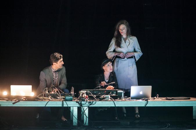 """Zdjęcie: Bytom/Teatr ROZBARK: Teatr Dada von Bzdülöw """"Zagraj to, czyli 17 tańców o czymś"""""""