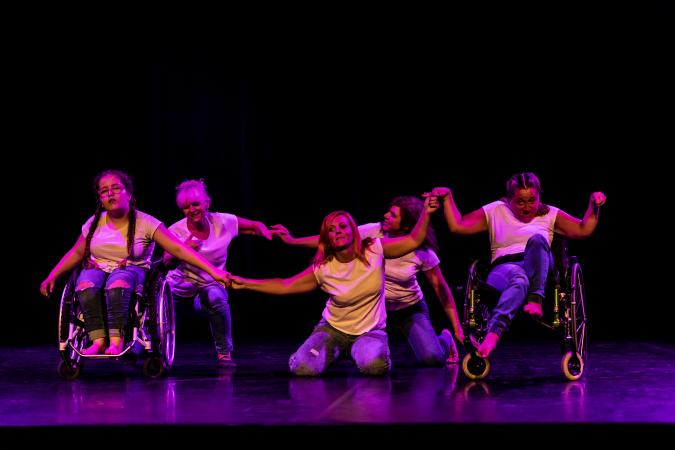 """Zdjęcie: Bytom/Teatr ROZBARK: Integracyjny Teatr Tańca INTEGRA """"Odnaleźć siebie"""""""