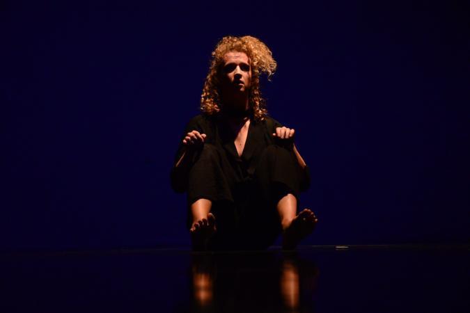 """Zdjęcie: Wrocław/Polska Sieć Tańca 2020: Teatr Tańca Zawirowania """"Real Love"""" – chor. Daniel Abreu, """"Lullaby for the Restless"""" – chor. Aleksandra Krajewska"""