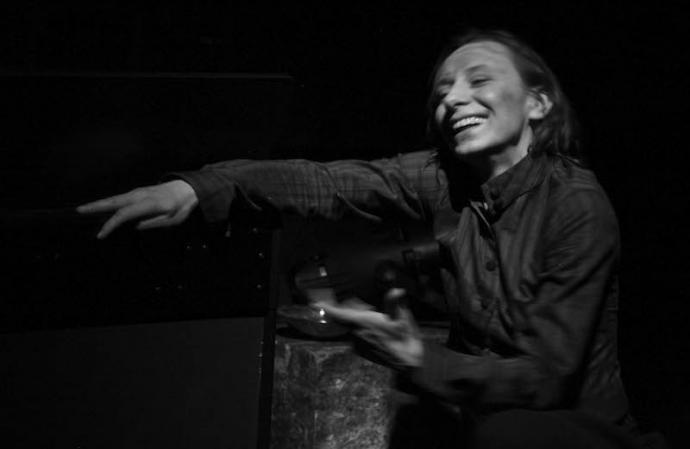 """Zdjęcie: Wrocław/Cykl Monosytuacje 3: Kamila Klamut, Mariana Sadowska """"Camille"""""""