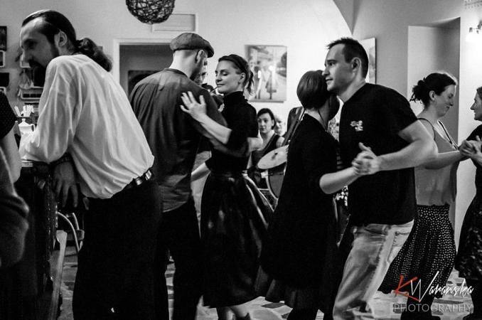 """Zdjęcie: Taneczne """"DECHY"""" na Pięknej – warsztaty tańców miejskich z Piotrem Zgorzelskim"""