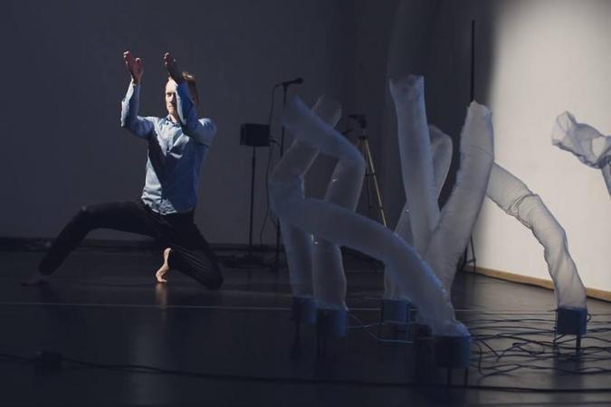"""Zdjęcie: Bydgoszcz/Teatr Polski: Komuna//Warszawa """"Diuna 1961. Opera mówiona. Fragmenty"""" – chor. Irad Mazliah"""