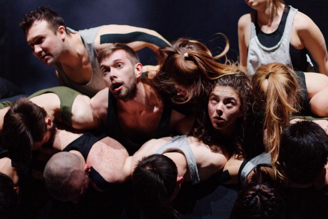 Zdjęcie: Bytom/Teatr Rozbark: Flying Fish w choreografii Ferenca Fehéra