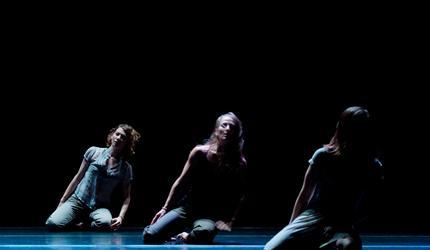 """Zdjęcie: Kielce: Guilherme Botelho i polscy tancerze """"Sideways Rain"""""""