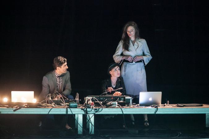 """Zdjęcie: Lublin/Scena dla tańca 2014/Taniec w teatrze: Teatr Dada von Bzdülöw """"Zagraj to, czyli 17 tańców o czymś"""""""