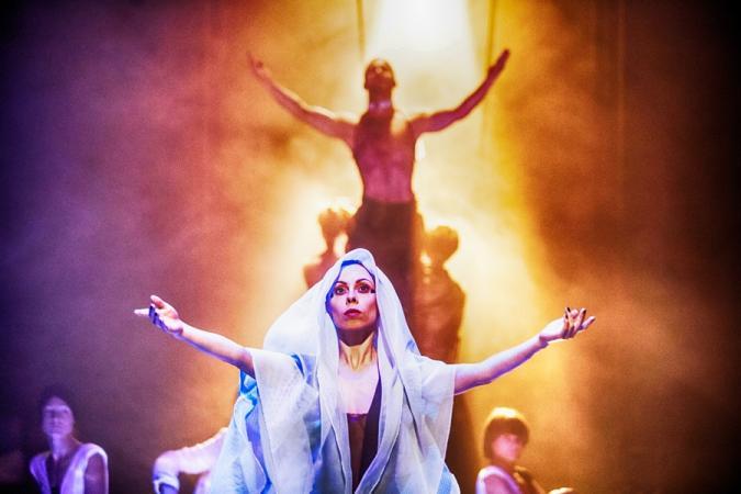 """Zdjęcie: Zielona Góra/Scena dla tańca 2017/Pantomima NOW: Wrocławski Teatr Pantomimy """"BATORY_trans"""""""