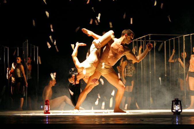 """Zdjęcie: Andrychów/Ogólnopolskie Otwarte Spotkania Teatralne Wiosna w Teatrze: Kielecki Teatr Tańca """"Metamorfozy"""" – chor. Ira Nadia Kodiche"""