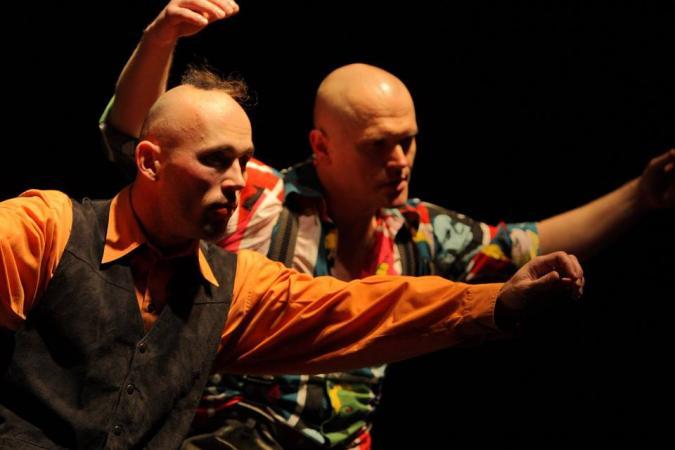"""Zdjęcie: Sopot/Przegląd """"Mistrzowie Polskiego Tańca"""": Teatr Tańca ARKA/Scena Tańca Capitol """"No*2"""" – z cyklu """"dialogi na ręce i nogi"""""""