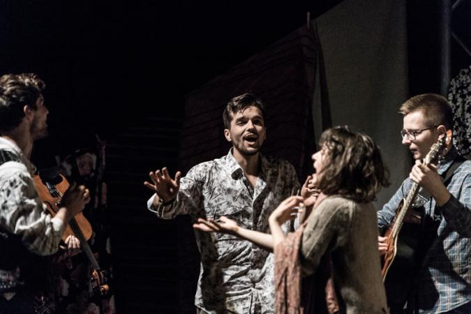 "Zdjęcie: Bytom/Teatr ROZBARK/Polska Sieć Tańca 2019: Living Space Theatre ""Kaj Dzias"""