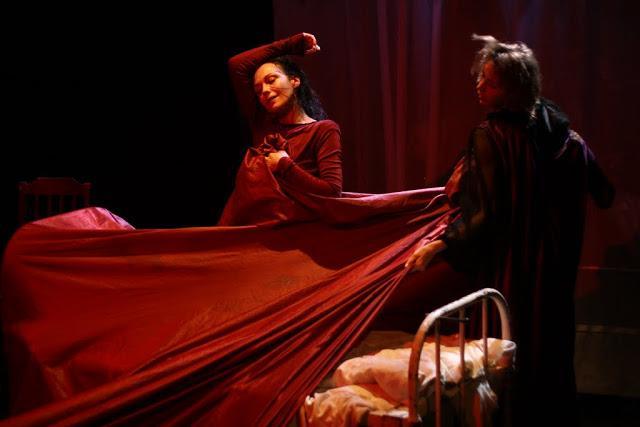 """Zdjęcie: Toruń/Alternatywne Spotkania Teatralne Klamra 2014: Teatr Formy """"Ulica krokodyli"""""""